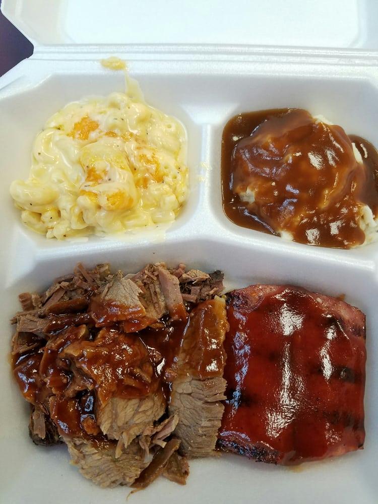 Paesanos Cafe: 8360 Lyndon B Johnson Fwy, Dallas, TX