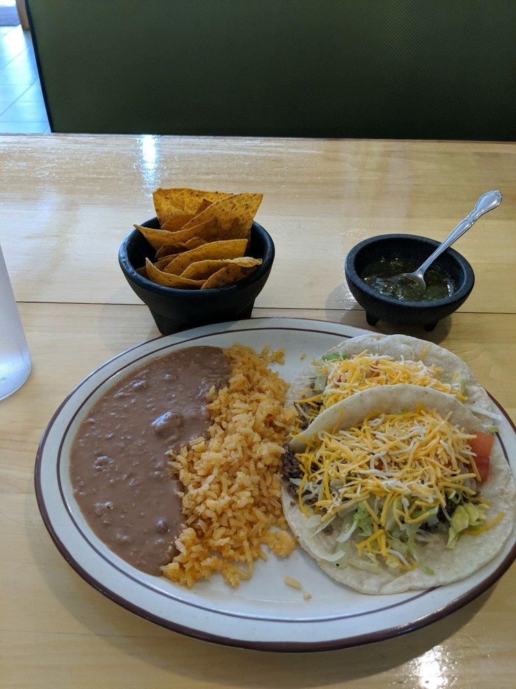 Salamandra Restaurant: 105 W 1st St, Dixon, IL