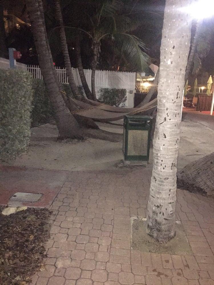 Restaurants Near Holiday Inn Oceanfront Miami