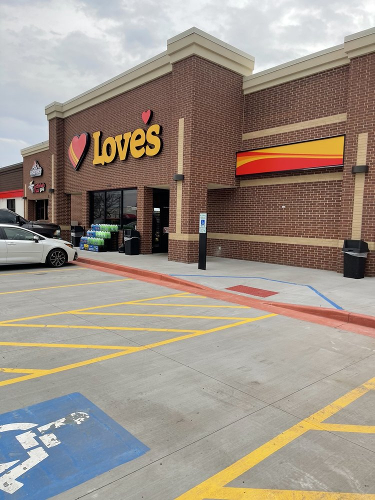 Love's Travel Stop: 23801 W Bluff Rd, Channahon, IL