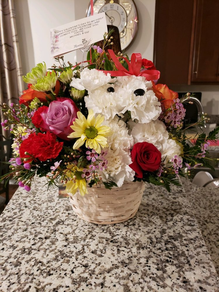 Flowers Extraordinaire: 503 S Camp Meade Rd, Linthicum, MD