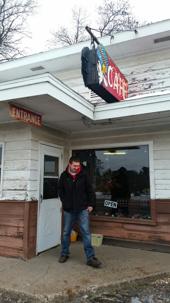 Indianhead Cafe: 209 W 9th St N, Ladysmith, WI