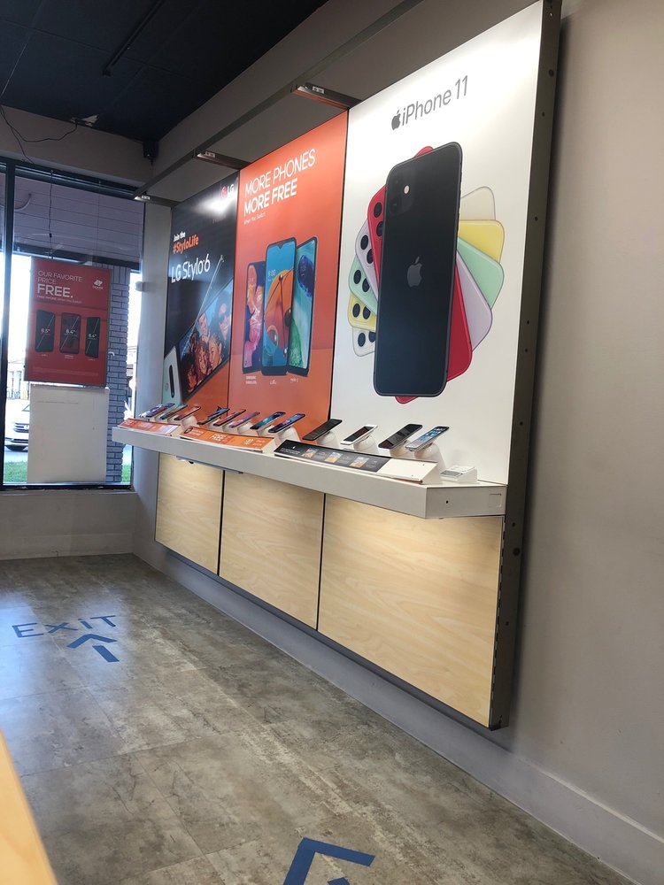 Boost Mobile: 18524 NW 67th Ave, Hialeah, FL