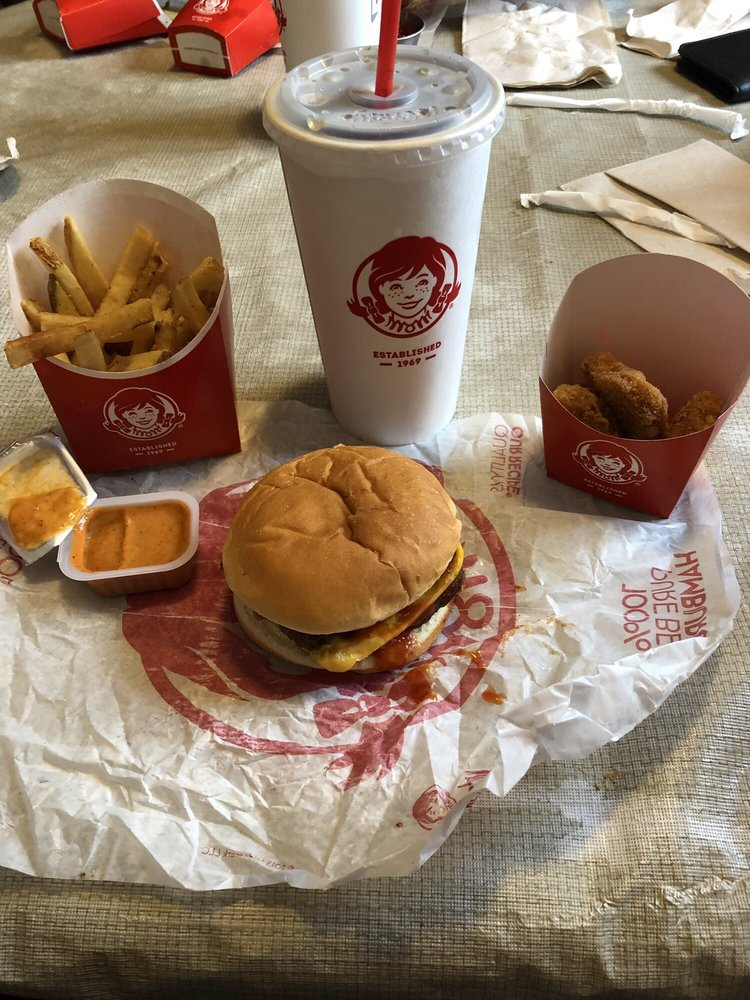 Wendy's: 104 Commerce Dr, Anna, OH