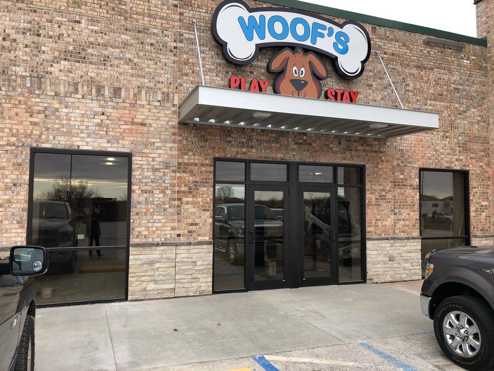 Woof's Play & Stay: 205 E Nifong Blvd, Columbia, MO