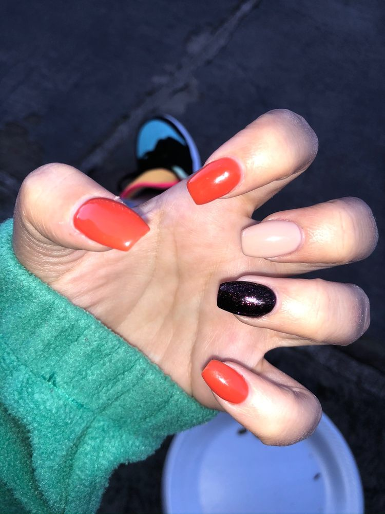 Uptown Nails: 1687 N Main St NW, North Canton, OH