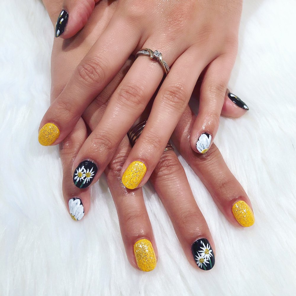 Gel Manicure and nail art by Nail Technician, Victoria - Yelp