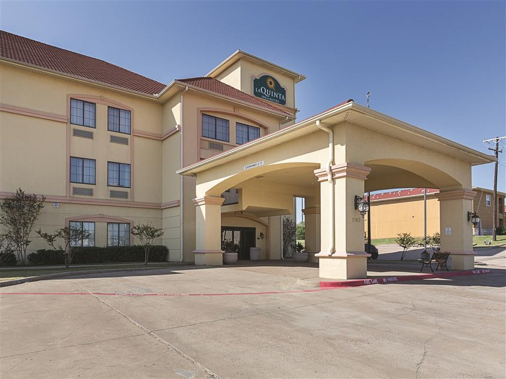 La Quinta Inn & Suites Alvarado: 1165 Hwy 67W, Alvarado, TX