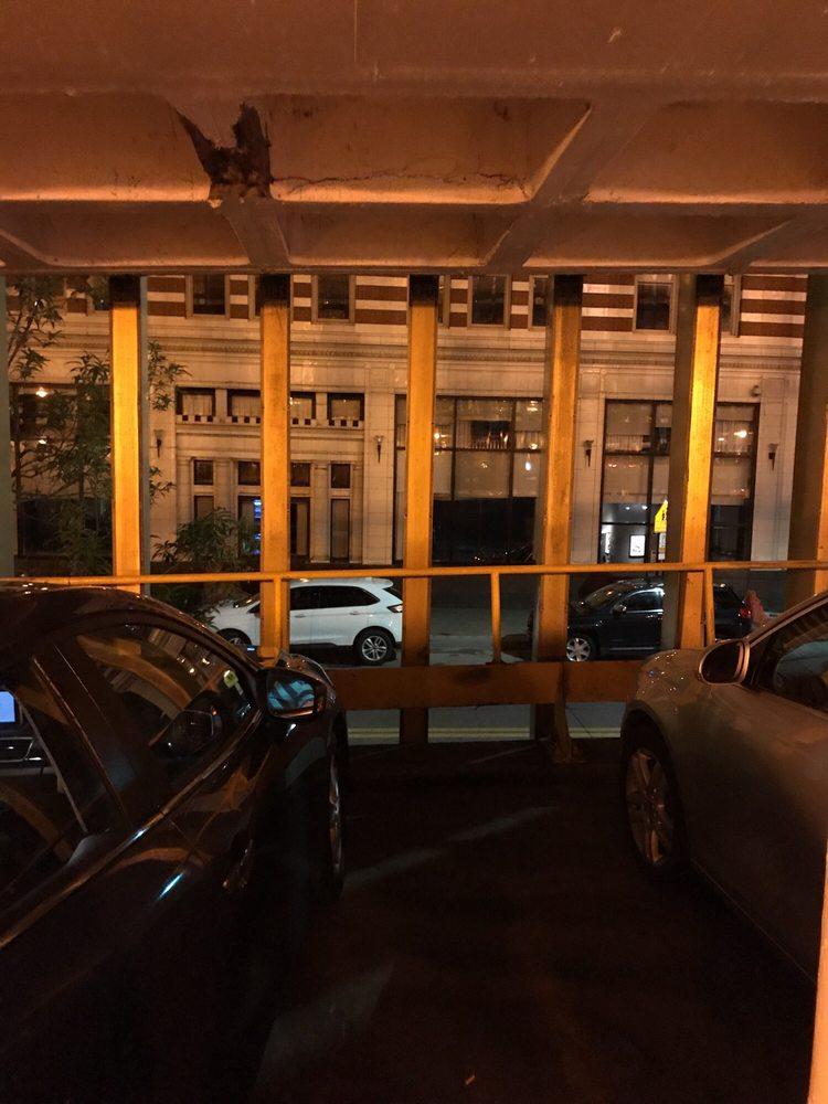 Blush: 135 9th St, Pittsburgh, PA