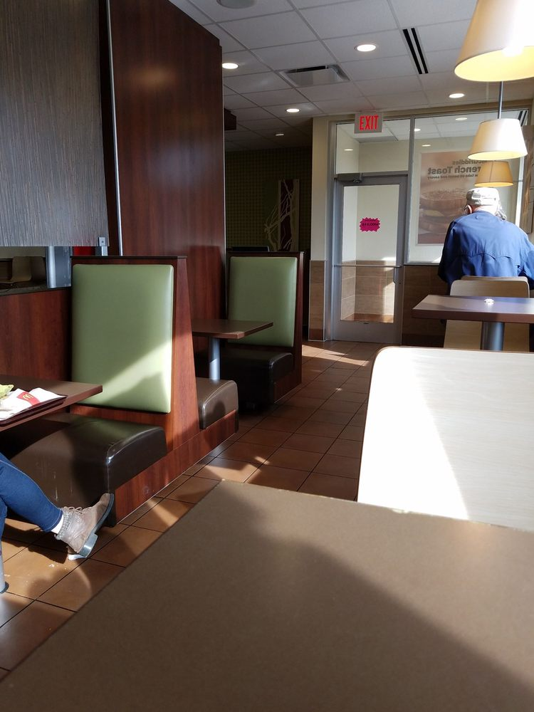 McDonald's: 29575 Sportsman Dr, Chisago City, MN