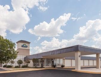 Days Inn by Wyndham Hillsboro TX: 307 South East Inerstate 35, Hillsboro, TX