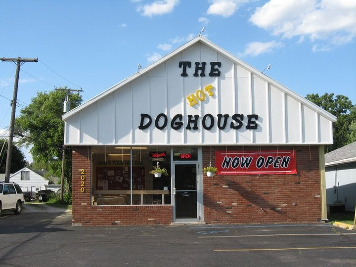Hot dog house closed hot dogs 2020 s custer rd for Cuisine 1300 monroe mi