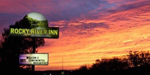 Rocky River Inn: 100 Oak Tree Vlg, Doniphan, MO