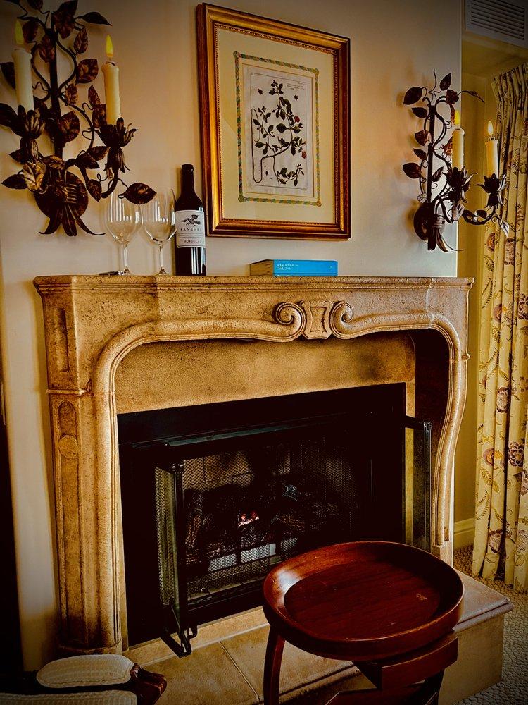 Hotel Les Mars: 27 North St, Healdsburg, CA