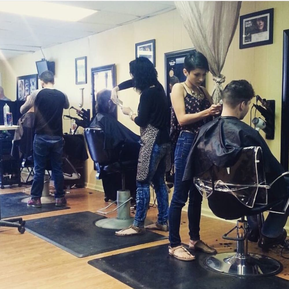 Big Tease Hair Salon: 313 Shawnee Ave, Big Stone Gap, VA