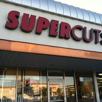 Supercuts hair salon in Tampa at Retail Building offers a variety of services from consistent, quality haircuts for men and women to color services.