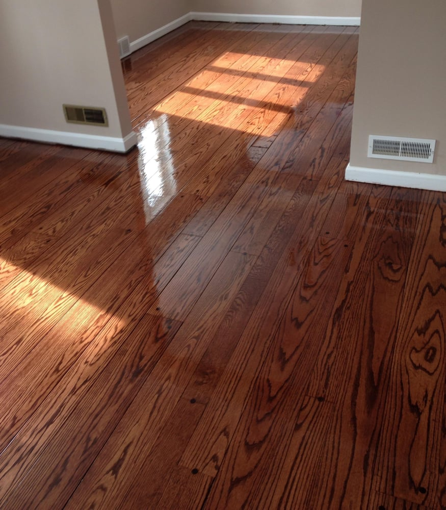 What Is Pegged Hardwood Flooring: Applying Final Coat Of Polyurethane To Random Width Red