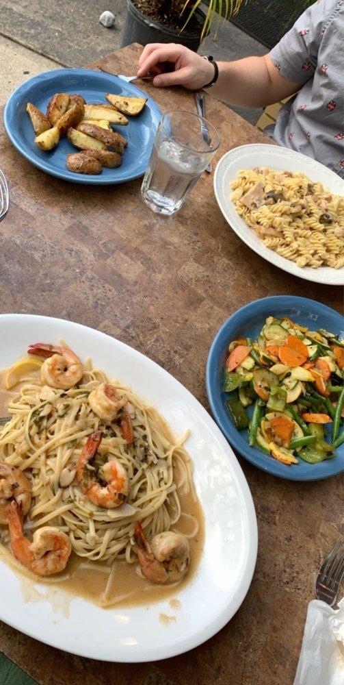 Femmina Italian Grill: 408 Stokes Rd, Medford, NJ