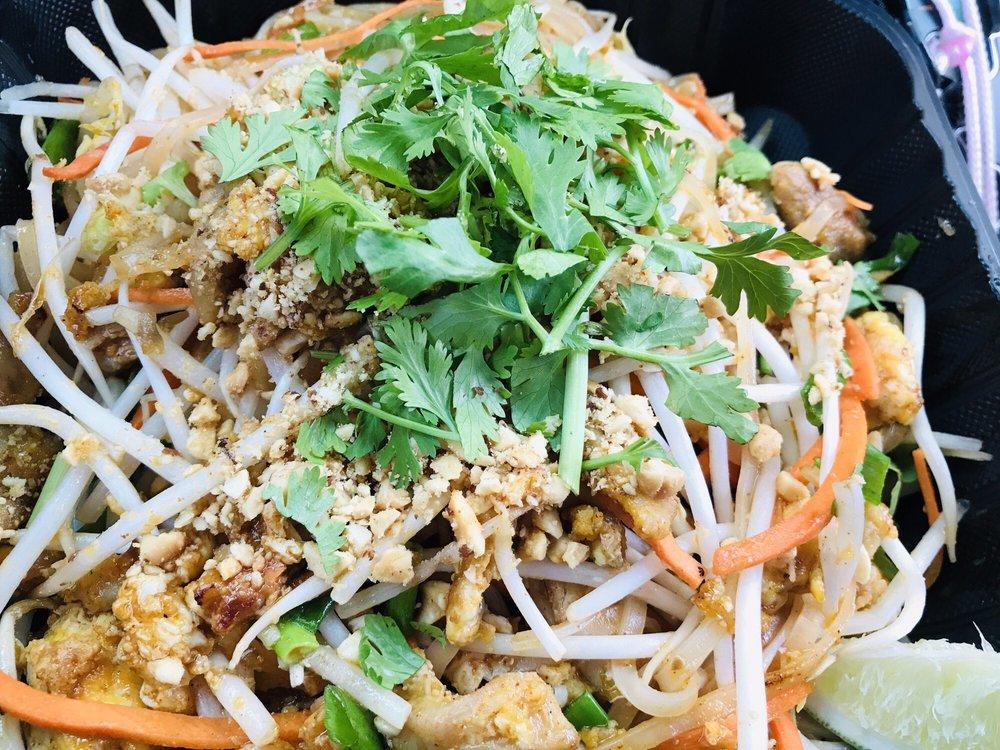 Thai Mee up: 24 Kiopaa St, Kula, HI