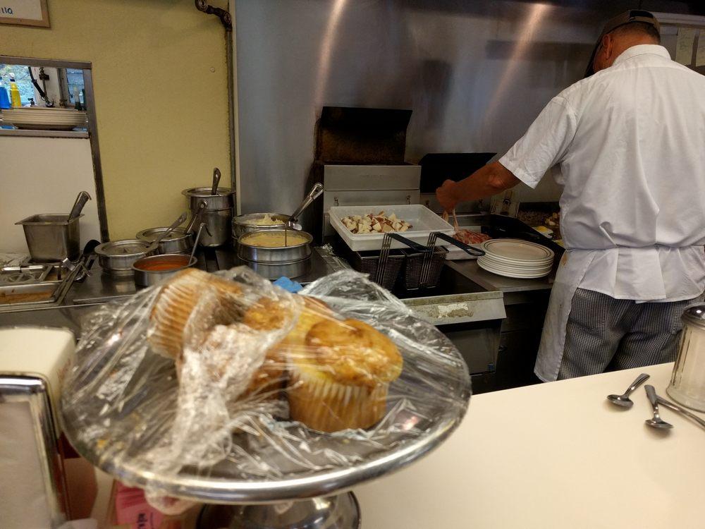 Fairlee Diner: 256 Main St, Fairlee, VT