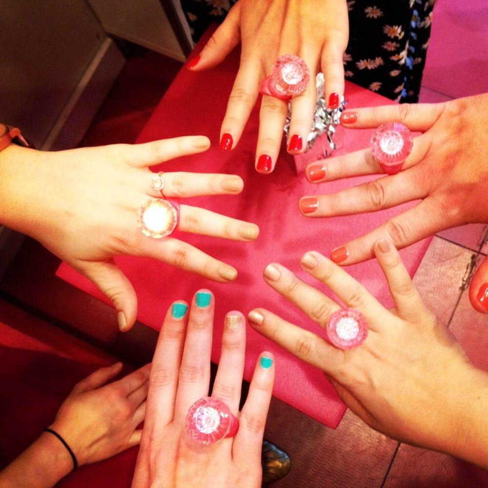 Dashing Diva - CLOSED - 13 Photos & 130 Reviews - Nail Salons - 41 E ...