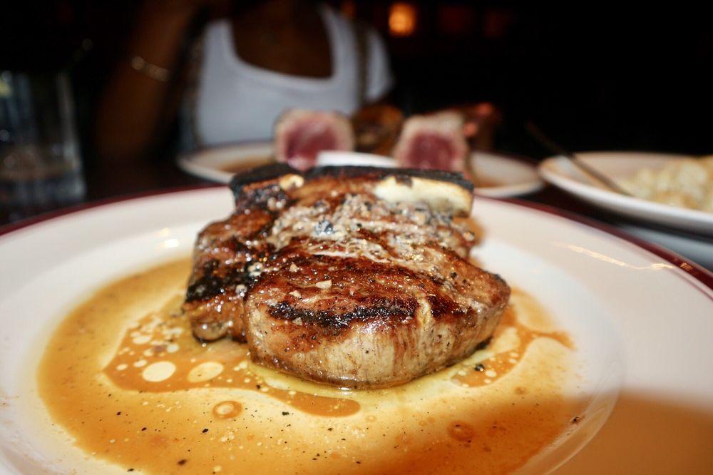 Chops Lobster Bar: 70 W Paces Ferry Rd NW, Atlanta, GA