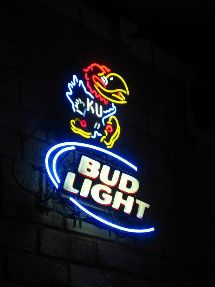 Dutch Goose Sports Bar Grill: 3203 SW 10th Ave, Topeka, KS