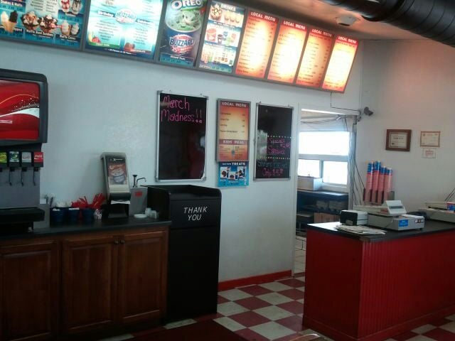 Dairy Queen: 404 N Hwy 77, Dell Rapids, SD