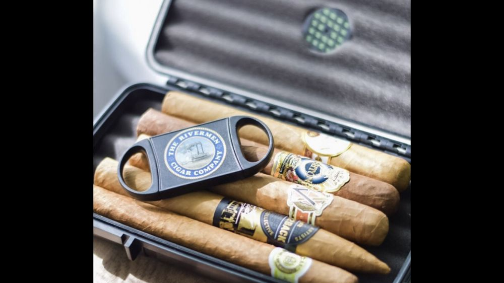 The Rivermen Cigar Company: 8984 Watson Rd, St. Louis, MO