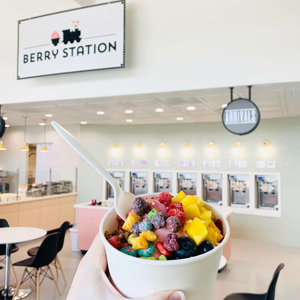 Berry Station Frozen Yogurt and Grateful Donut: 283 N Flint St, Kaysville, UT