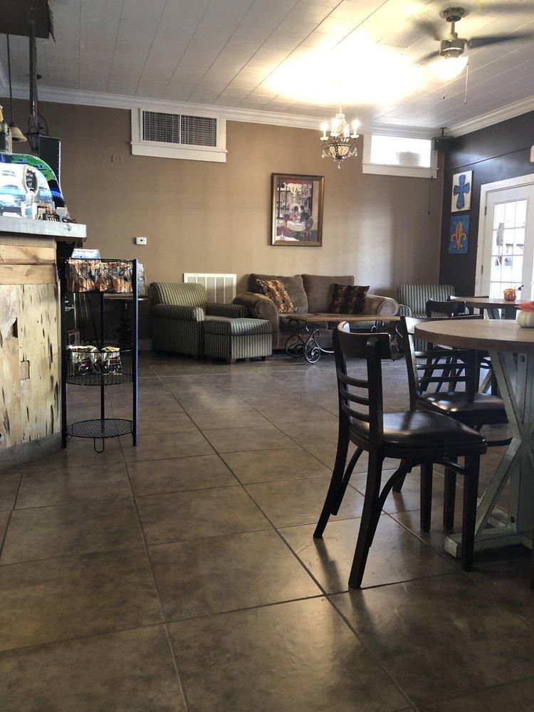 Cafe Maison: 218 N Main St, Church Point, LA
