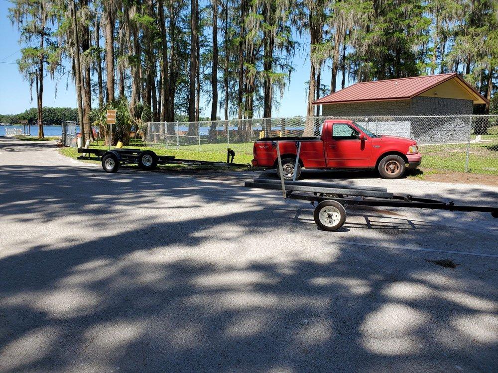 Moon Lake Park: 8985 Lake Dr, New Port Richey, FL