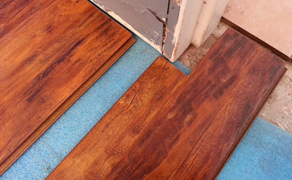 Installing 12mm Hand Scraped Oak Vanilla Laminate Flooring In A