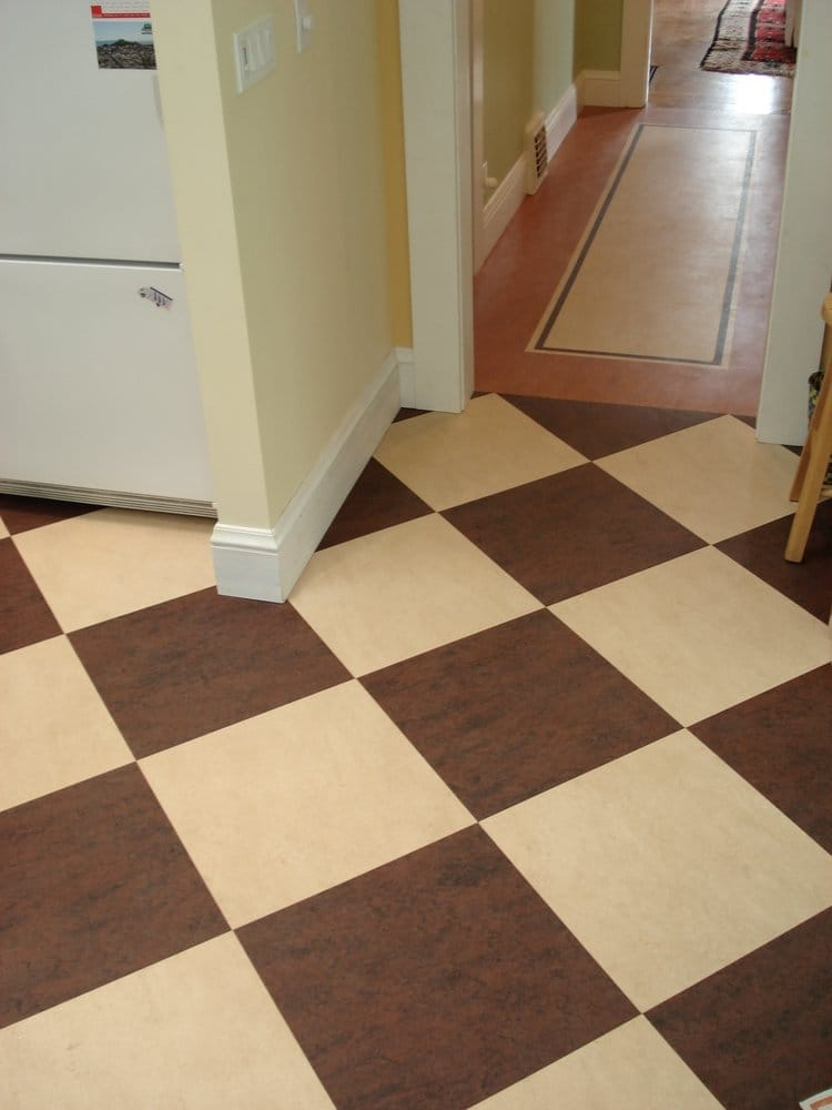 Checker board design in brown and cream marmoleum linoleum for Linoleum kitchen flooring
