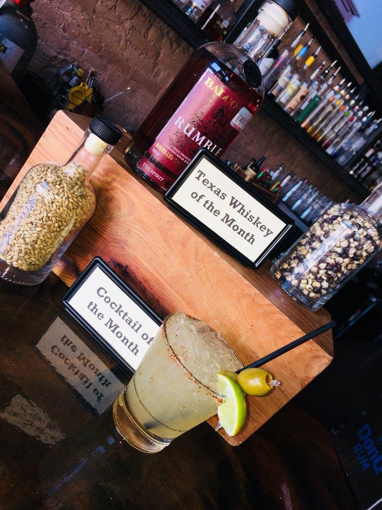 19 Thirty Three Bar: 217 S Chadbourne, San Angelo, TX