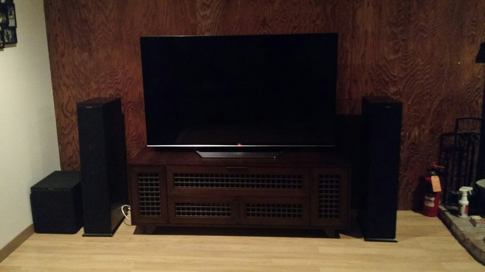 Home Audio Video By DFM: 1080 N State St, Ukiah, CA