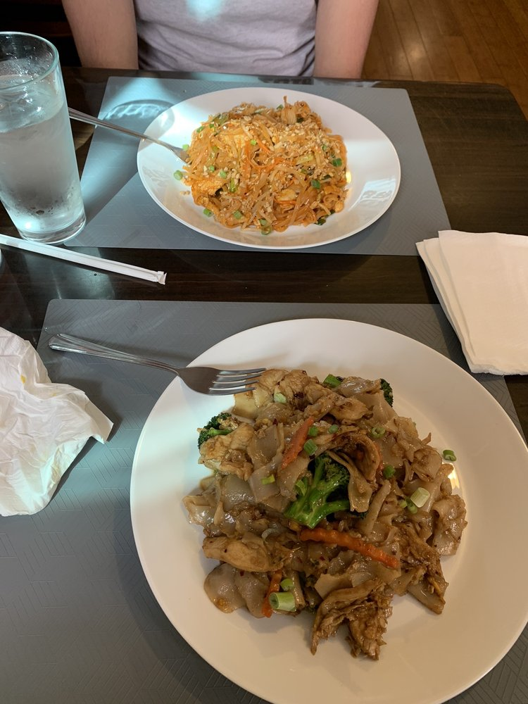 Thai Table & Kitchen: 472 44th St, Pittsburgh, PA
