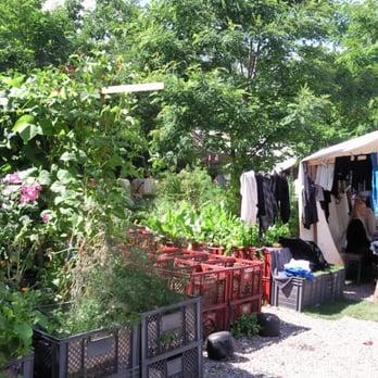 flohmarkt im prinzessinnengarten flohmarkt prinzenstr 35 38 kreuzberg berlin. Black Bedroom Furniture Sets. Home Design Ideas