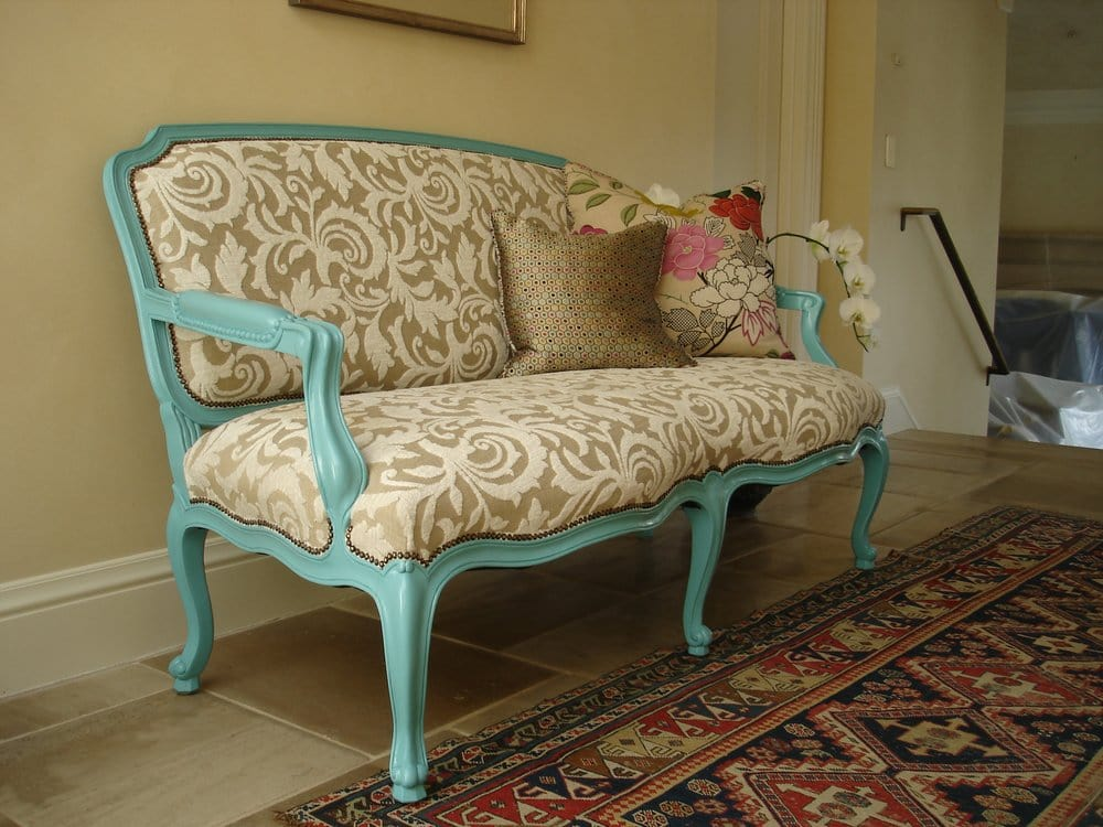 Painted French Style Settee Wright Stewart Jones Design