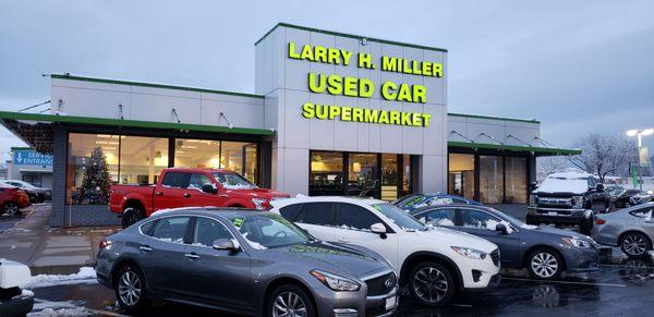 Larry H Miller Used Car Supermarket Sandy >> Larry H Miller Used Car Supermarket 90th 200 West 9000 South Sandy