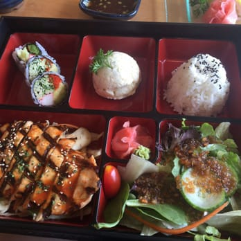 Sushi aoi japanese 10620 yonge street richmond hill for Aoi japanese cuisine newport