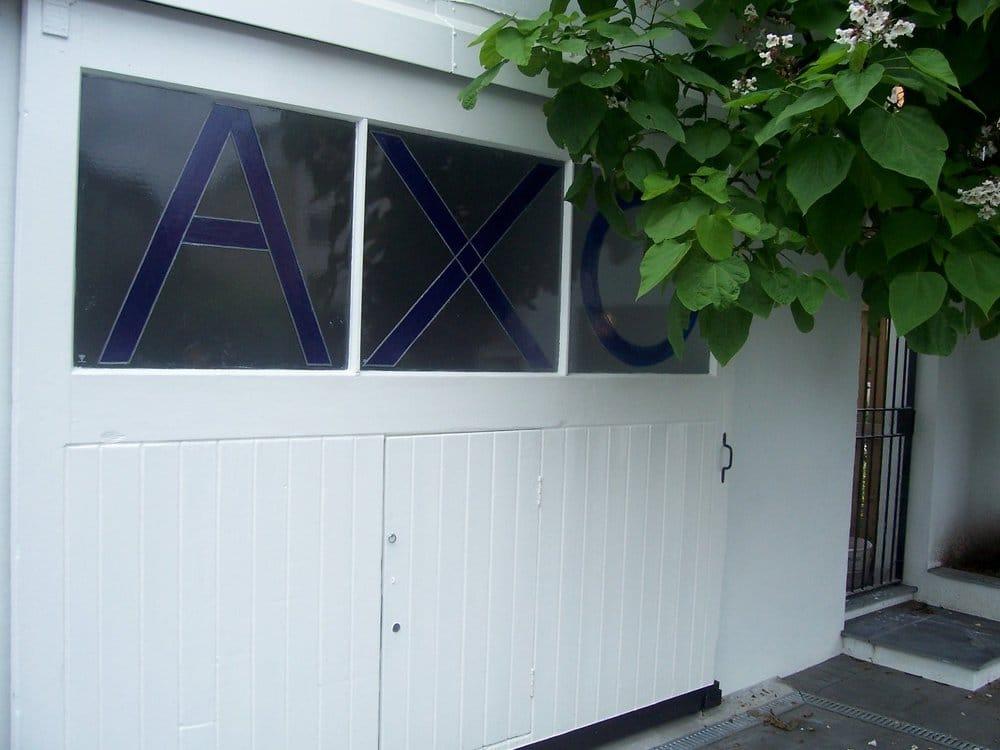 Axo Gallery