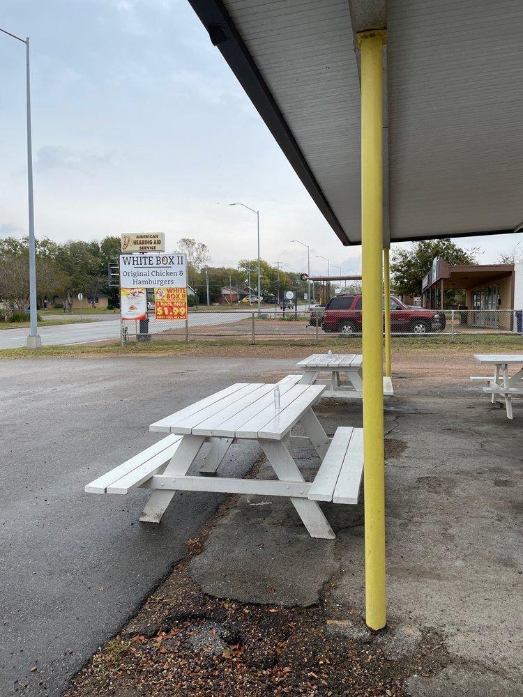 White Box Chicken: 922 E Travis St, La Grange, TX