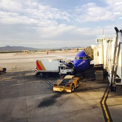 'Photo of McCarran International Airport - Las Vegas, NV, United States' from the web at 'https://s3-media1.fl.yelpcdn.com/bphoto/tGHS1Xl-0R_G19pT_D_LDA/ls.jpg'