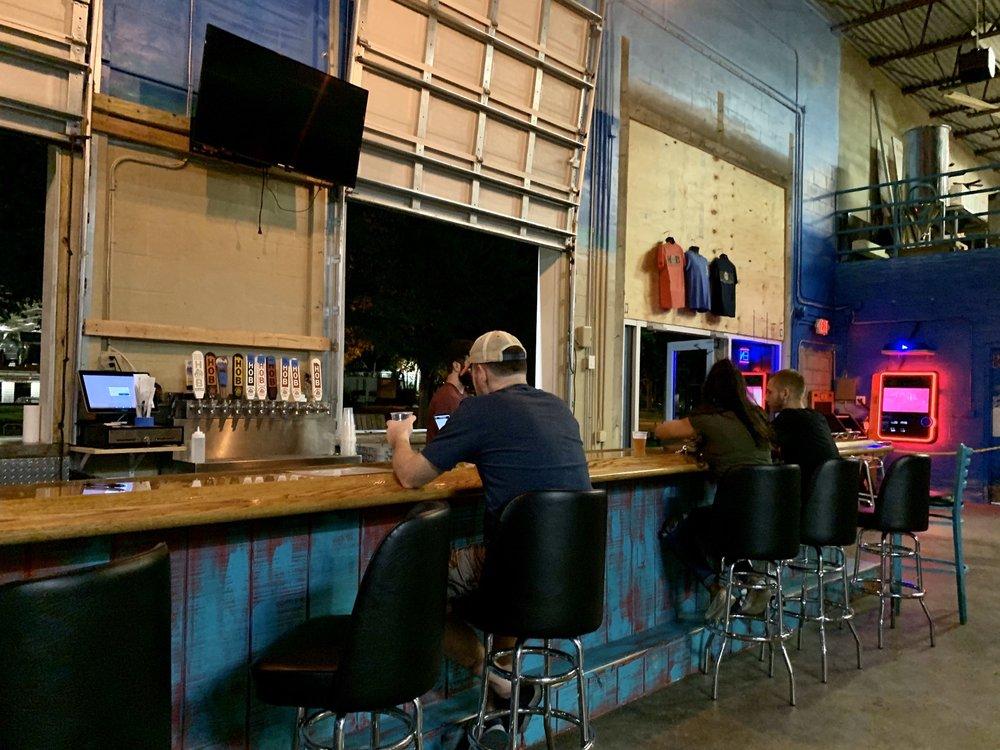 Dunedin House of Beer: 927 Broadway, Dunedin, FL