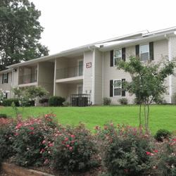Eagles Nest Apartments Apartments 3000 Ember Dr Atlanta Ga