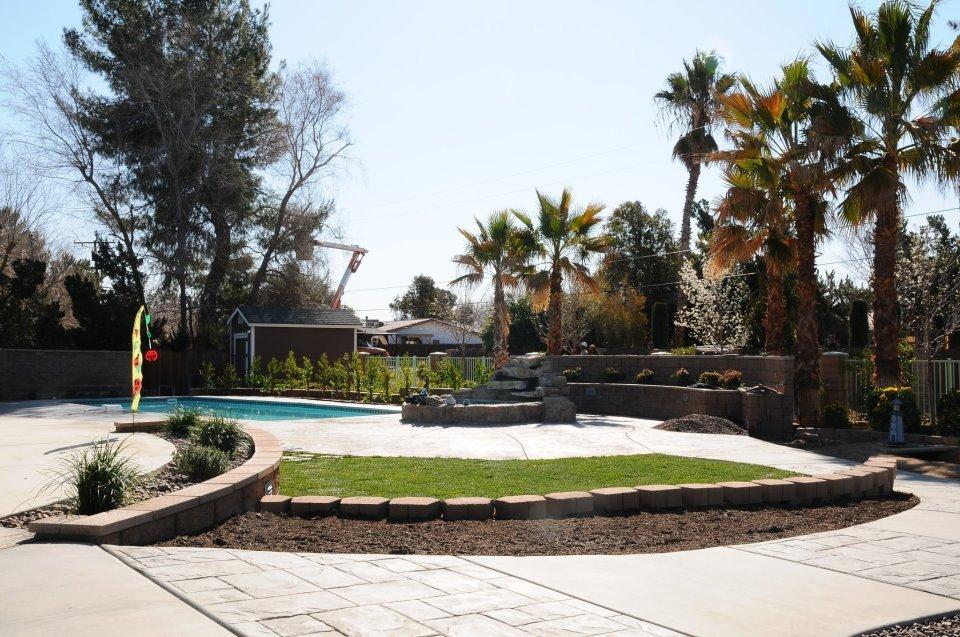 Contemporary Landscape & Maintenance: 11860 Locust Ln, Apple Valley, CA
