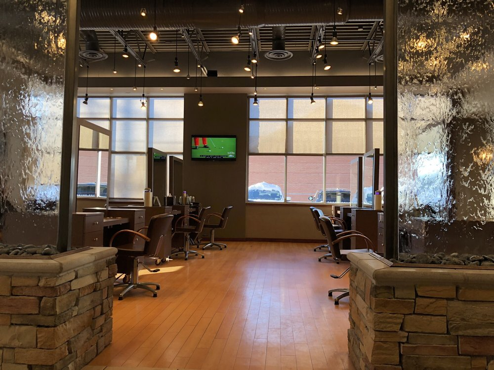 Capello Salons & Day Spa: 9424 Transit Rd, East Amherst, NY