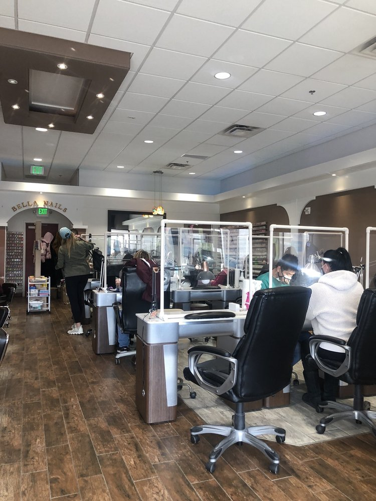 Bella Nails: 1700 21st Ave NW, Minot, ND