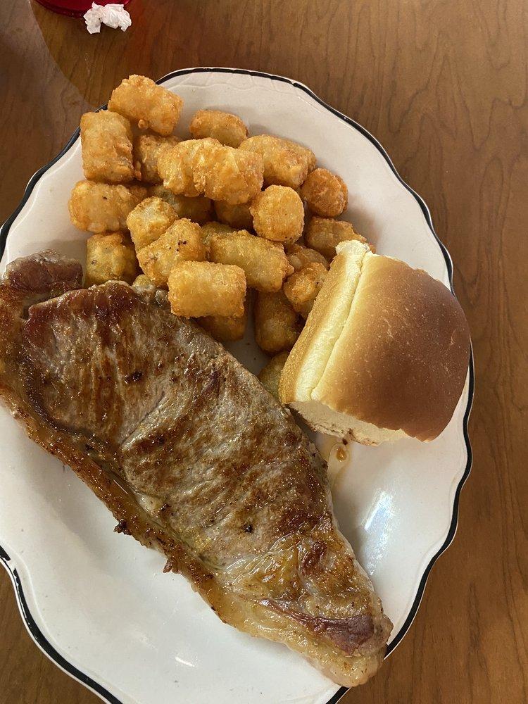 Harpers Catfish: 3085 Old Gallatin Rd, Scottsville, KY